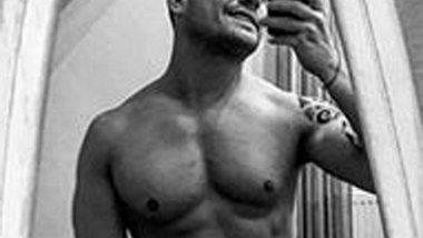 Rocco Stark zeigt sich komplett nackt - Foto: Facebook/ Rocco Stark