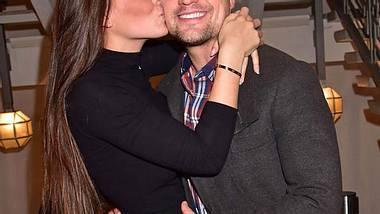 Rocco Stark zeigt Nathalies Ehering
