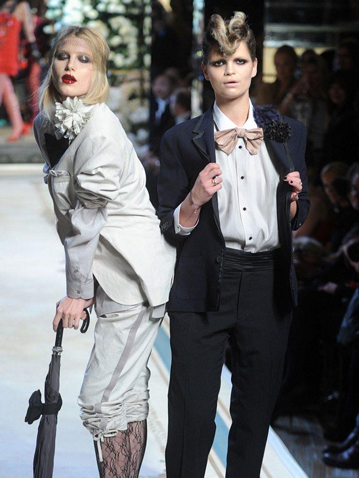 """Der Rockstar-NachwuchsEbenfalls Rockstar-Geldof-Tochter und Dauergast der Klatschspalten: Pixie Geldof (l., hier mit Dree Hemingway auf dem """"Lanvin for H&M""""-Catwalk) lebt frei nach dem Motto """"Sex, Drugs and Rock'n'Roll&qu"""