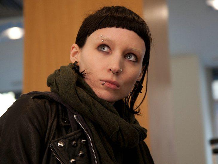""",Rooney Mara vs. Noomi Rapace: Die """"Verblendung""""-StarsWie von einer amerikanischen Produktion zu erwarten, fallen die Sexszenen mit Rooney Mara als Lisbeth Salander etwas biederer aus. Sie sind im Vergleich zum schwedischen origin"""