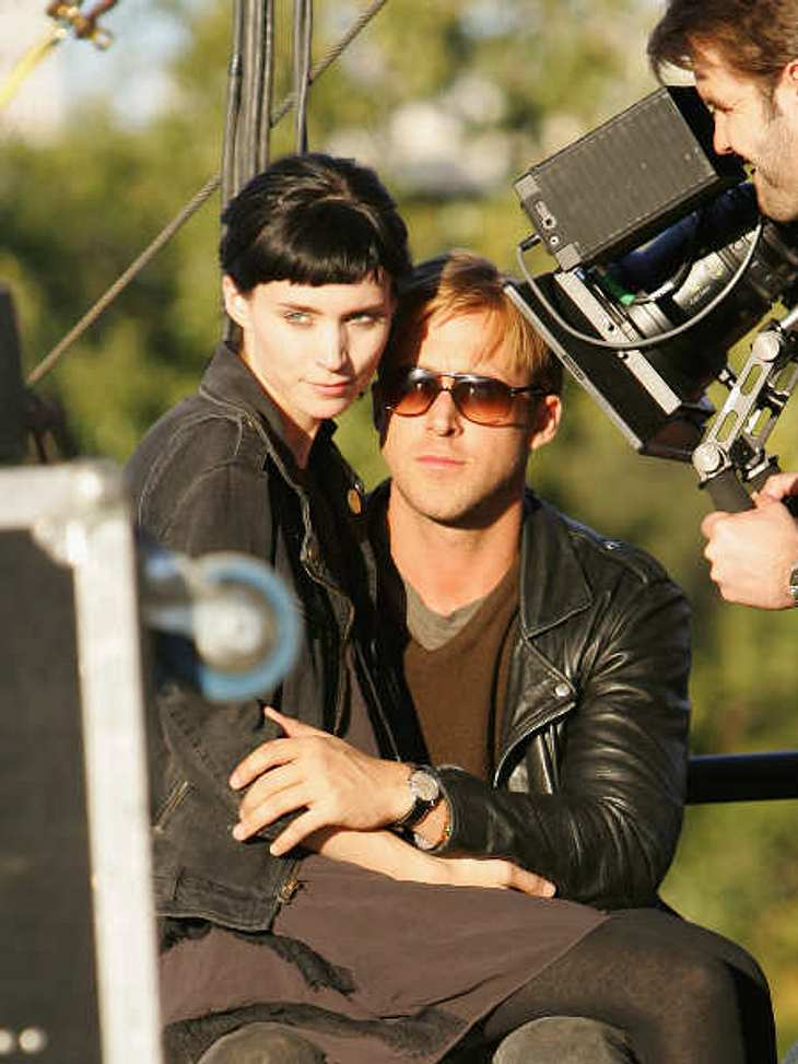 ",Rooney Mara vs. Noomi Rapace: Die ""Verblendung""-StarsNach ""The Girl With The Dragon Tattoo"" alias ""Verblendung"" dreht Rooney Mara natürlich noch die beiden Fortsetzungen ""The Girl Who Played with Fire&quo"