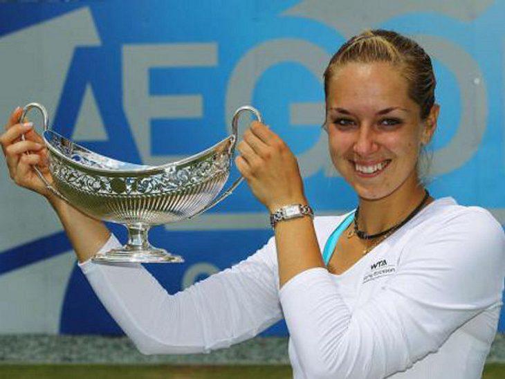 Bei den US Open 2011 schaffte Sabine es bis ins Achtelfinale. Das Match gegen die Russin Wera Swonarjowa konnte sie leider nicht für sich entscheiden.