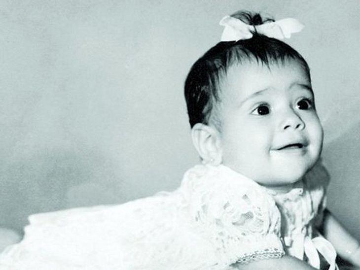 Die Kinderfotos der StarsDieser kleine Sonnenschein gehört knapp 46 Jahre später zu den wenigen mexikanischen Schauspielerinnen, die es auch in Hollywood geschafft haben.