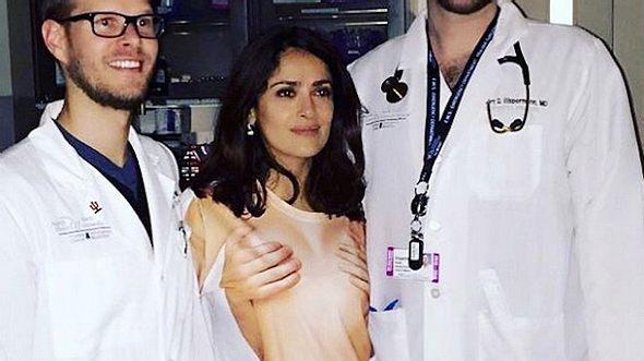 Salma Hayek: Mit peinlichem Nackt-Shirt in die Notaufnahme - Foto: Instagram / Salma Hayek