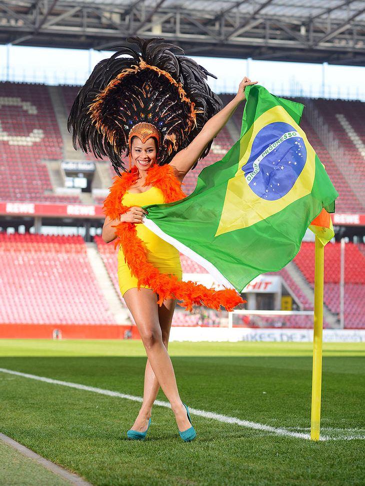 Sam als heiße Samba-Tänzerin.