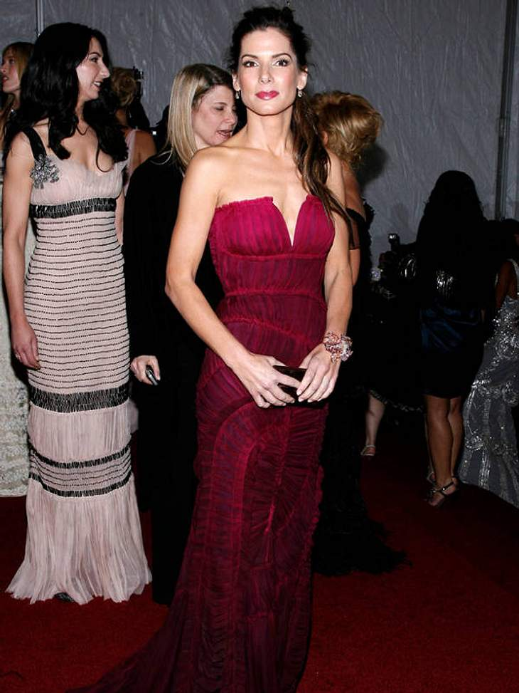 "Fashion is my passion: Sandra Bullock bei der ""Metropolitan Museum Costume Institute Gala"" zu Ehren der Designer-Legende Paul Poiret."