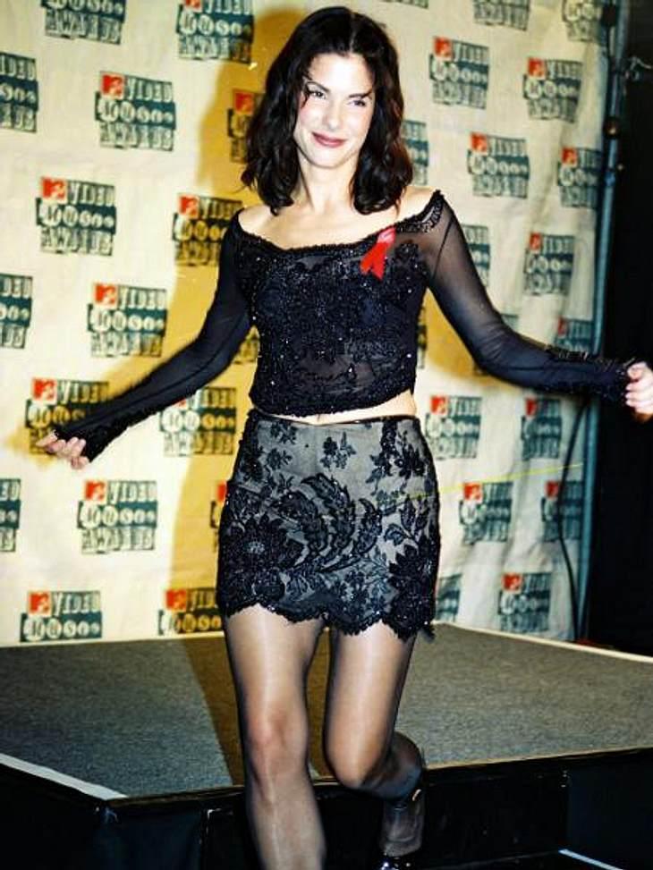 Modesünden der StarsNein, das ist kein Kostüm, Sandra Bullock wusste es früher einfach nicht besser.