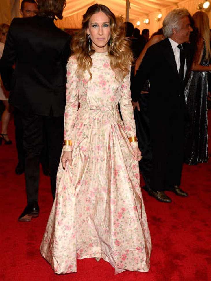Met-Gala 2012: Die spektakulärsten Kleider des AbendsSarah Jessica Parker (47) wollte mit dieser geblümten Valentino-Robe anscheindend endlich den Frühling anlocken.
