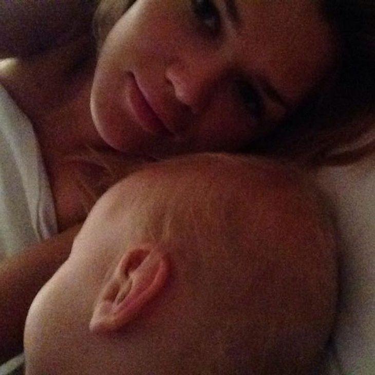 Sara Kulka mit Baby