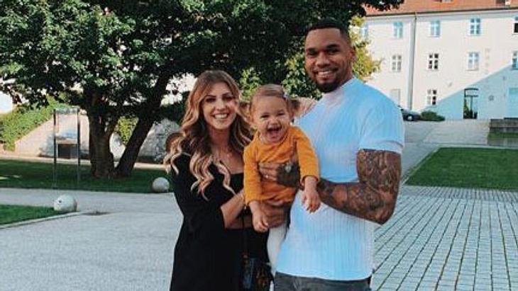 Sarah Harrison: Wegen Baby Nr. 2! Die Flitterwochen sind gecancelt