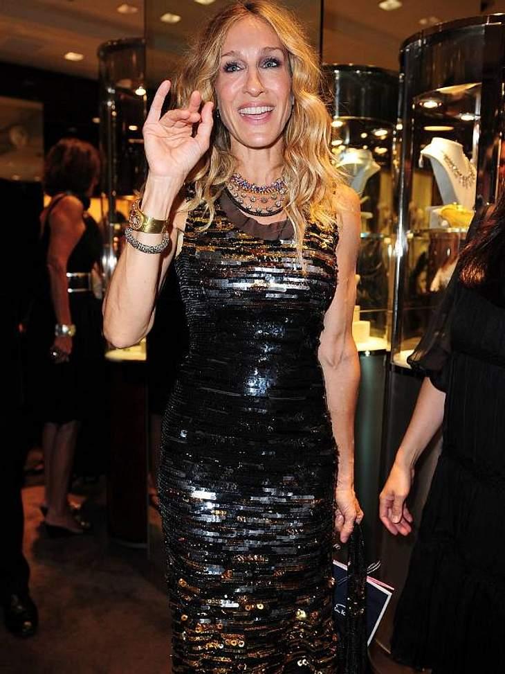 .Pailletten-Abendkleider:Stil-Ikone Sarah Jessica Parker mit einer Variation aus eckigen Pailetten - knalleng - super-sexy.