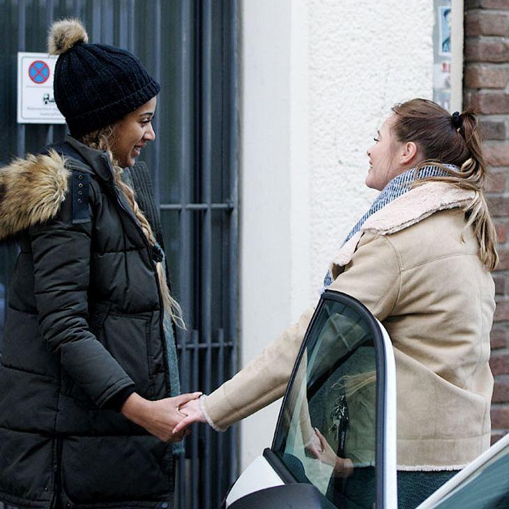 Sarah Joella verabschiedet sich von ihrer Freundin Fabienne Rothe