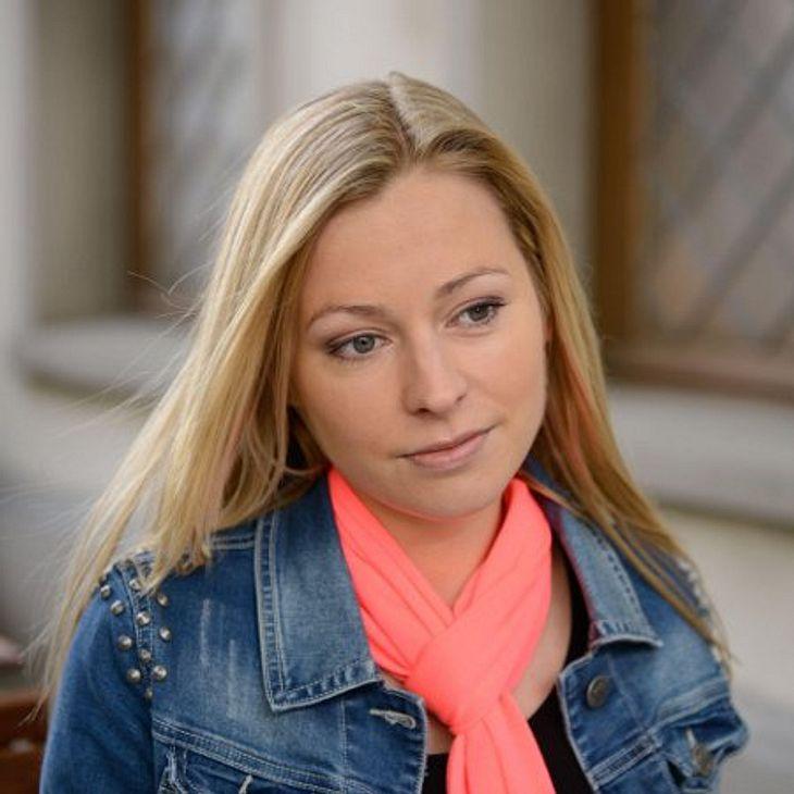 """Unter Uns"": Sarah Stork hatte Sex im Lift"