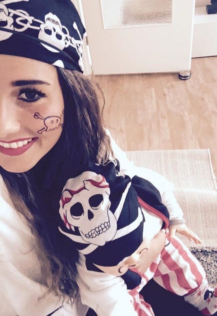 Sarah Engels: Karnevals-Piratenduo mit Baby Alessio