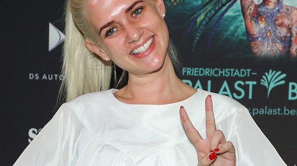 Sarah Knappik: Ohne Make-Up auf dem Roten Teppich - Foto: Getty Images