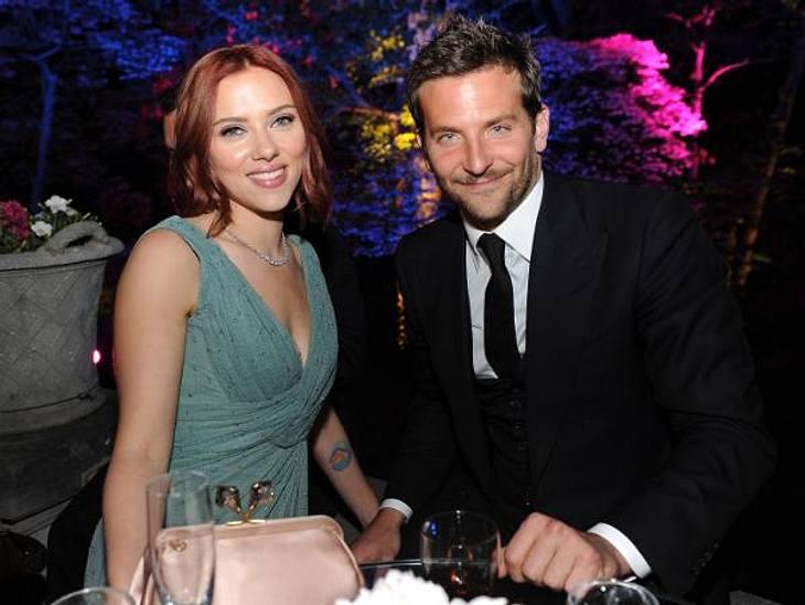Die Sommerlieben der StarsIn Sachen Männer hat Scarlett Johansson (27) ja schon seit jeher einen exzellenten Geschmack bewiesen. Zu der Riege ihrer Ex-Lover zählen Ryan Reynolds (35), Sean Penn (51), Justin Timberlake (31)...Ihre neueste Er
