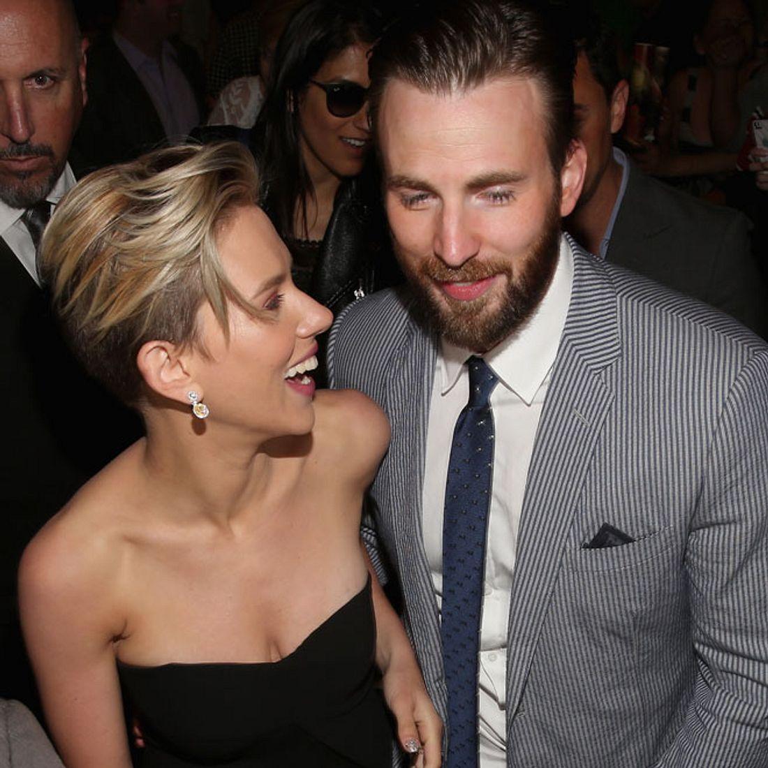 Scarlett Johansson und Chris Evans