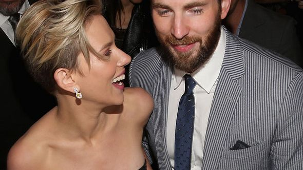 Scarlett Johansson und Chris Evans - Foto: getty