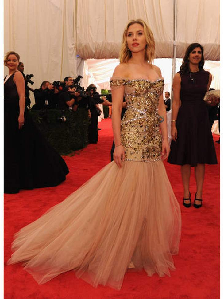Met-Gala 2012: Die spektakulärsten Kleider des AbendsIn diesem Traum aus Tüll und Stickereien von Dolce & Gabbana sah Scarlett Johansson (27) einfach zauberhaft aus.
