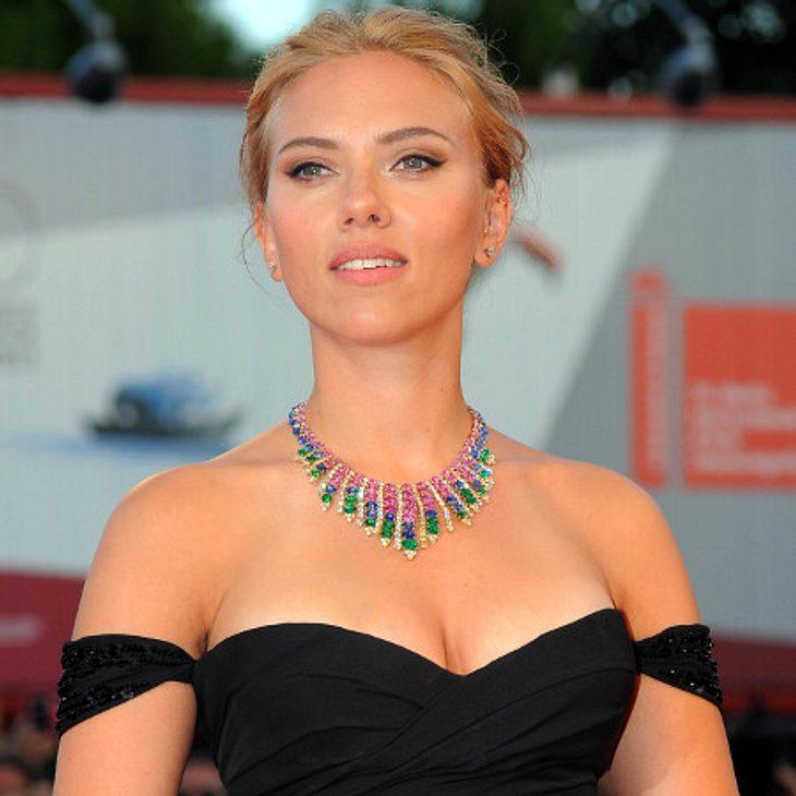 Scarlett Johansson mit Statement-Kette