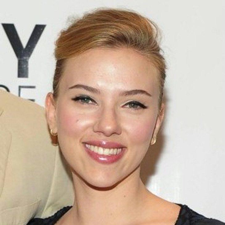 Scarlett Johansson scheint frisch verliebt zu sein