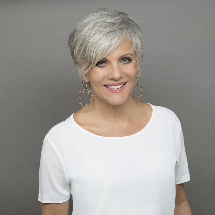 This Time Next Year: Birgit Schrowange überrascht mit grauen Haaren