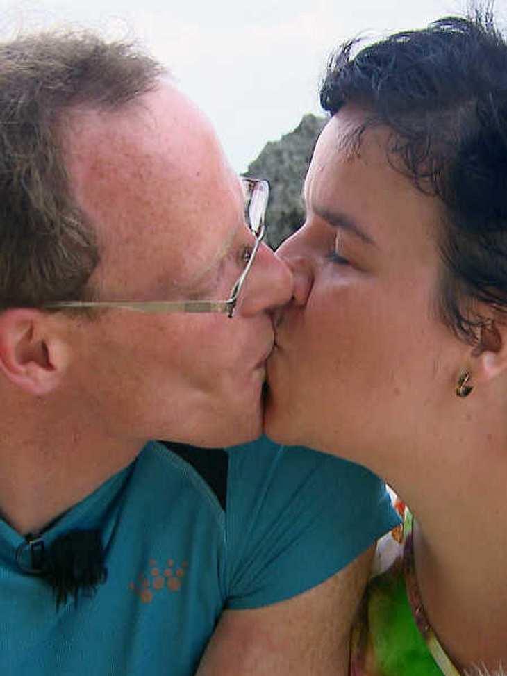 Vorerst bleibt es bei Beate und Thomas beim Küssen.