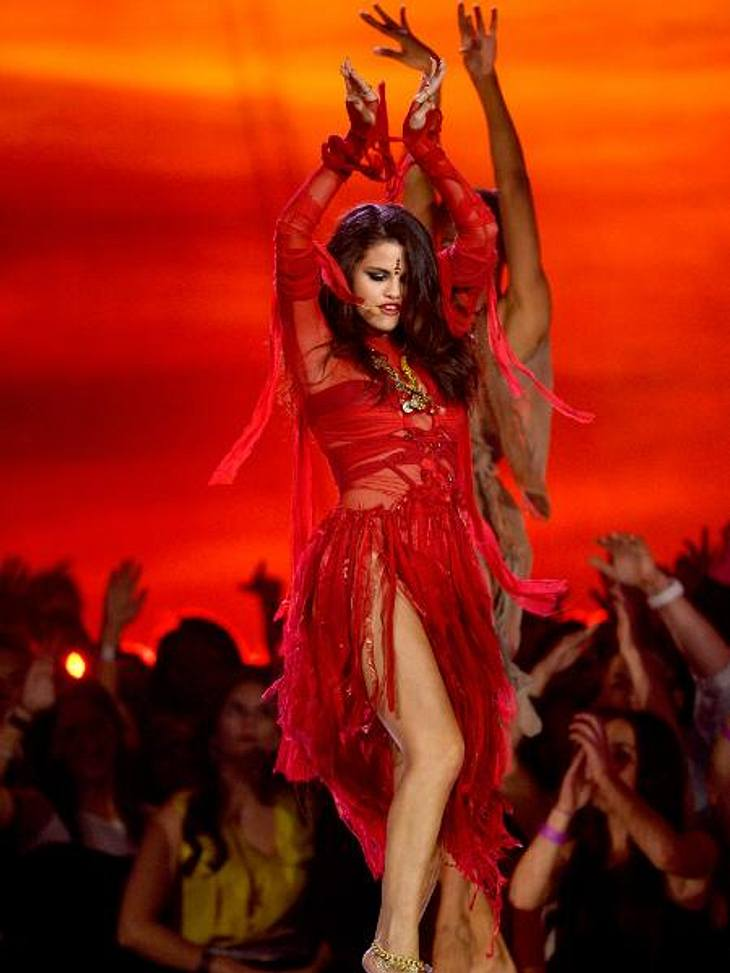 Selena Gomez trat bei den MTV Movie Awards 2013 auf