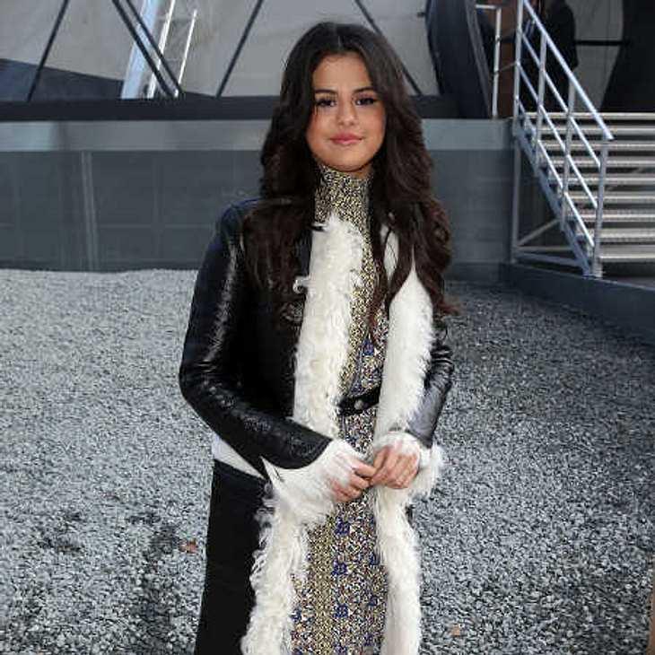 Selena Gomez zeigt sich nackt auf Instagram!