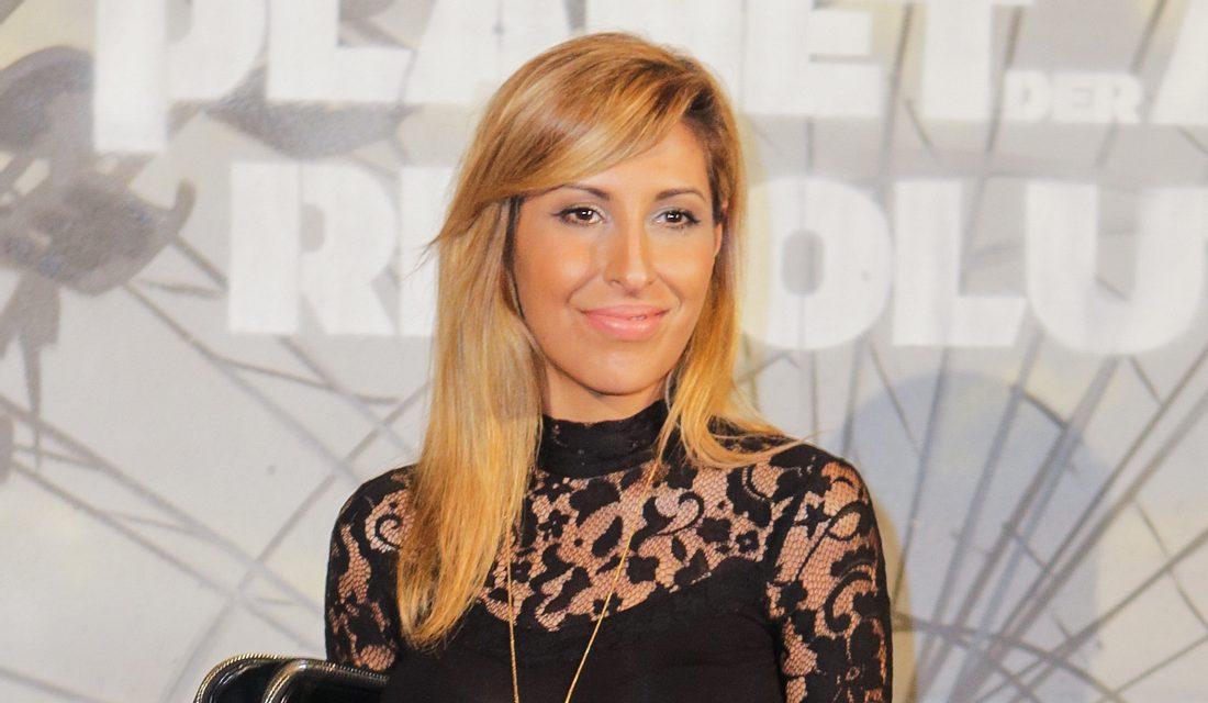 Senna Gammour ist blond