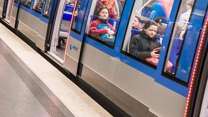 Paar hat Sex in Münchner U-Bahn - Polizeieinsatz