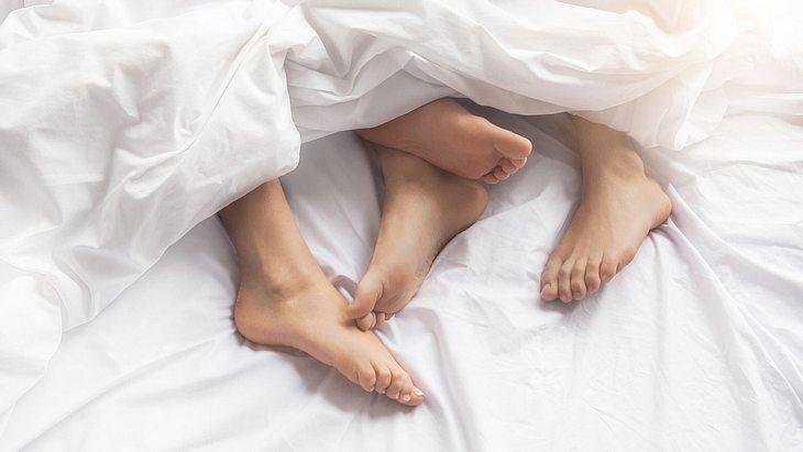Frau ist nach Sex-Unfall gelähmt - jetzt verklagt sie die Betten-Firma