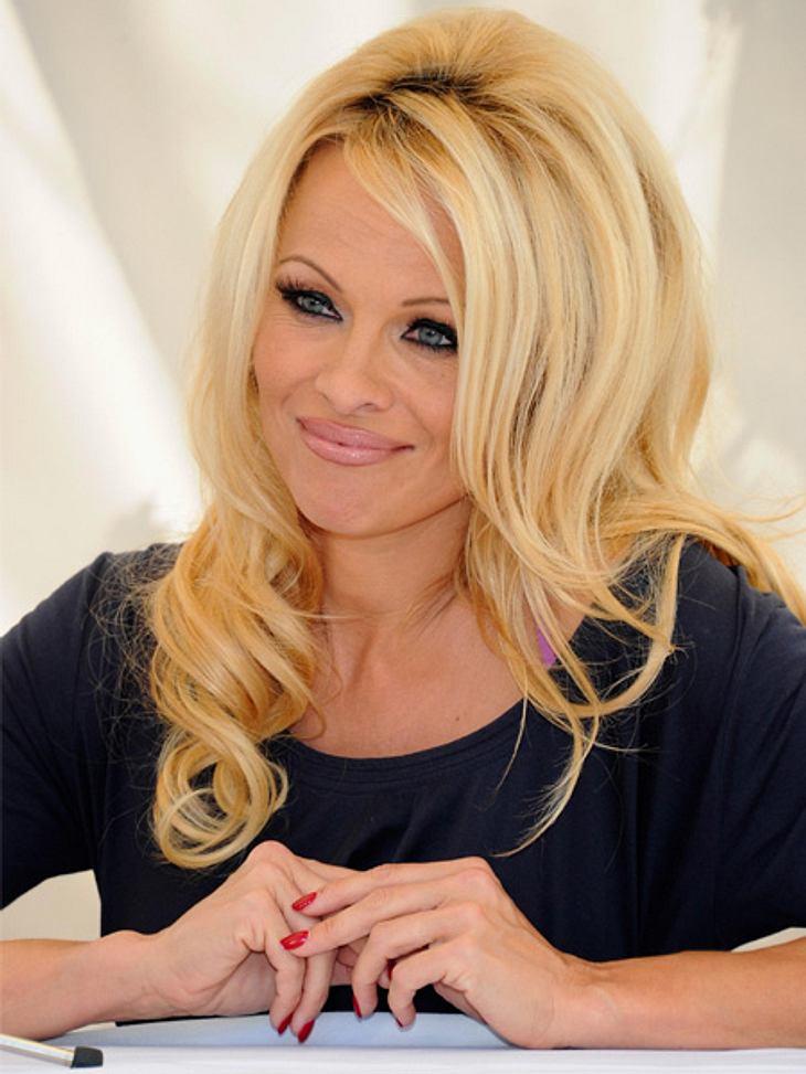 """Die Sextipps der Stars,Sextipp 25: Heiß duschen zu zweitDer rote Badeanzug aus """"Baywatch"""" hängt bei Pamela Anderson ziemlich weit vorne im Kleiderschrank. Sie peppt damit noch immer gern ihr Sexleben auf. """"Ab und zu ziehe ich"""