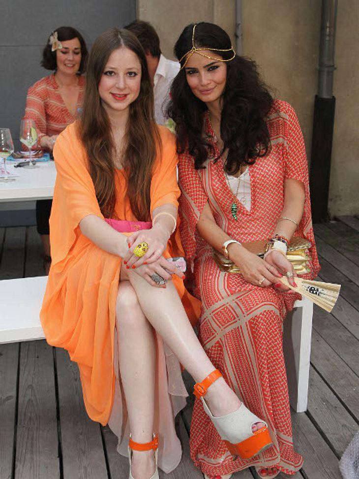 """Fashion Week BerlinShermine Sharivar und Sandra von Ruffin bei der """"Lala Berlin""""-Show."""