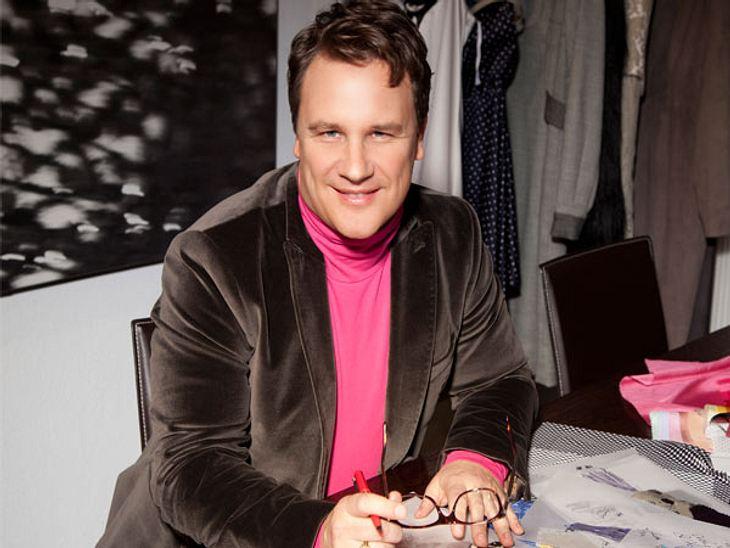 """Am 30. Januar 2012 ist bei VOX die neue Styling-Doku """"Shopping Queen"""" mit dem Star-Designer Guido Maria Kretschmer gestartet: Pro Woche treten fünf Frauen in fünf aufeinanderfolgenden Tagen gegeneinander an, um die Frau mit dem be"""