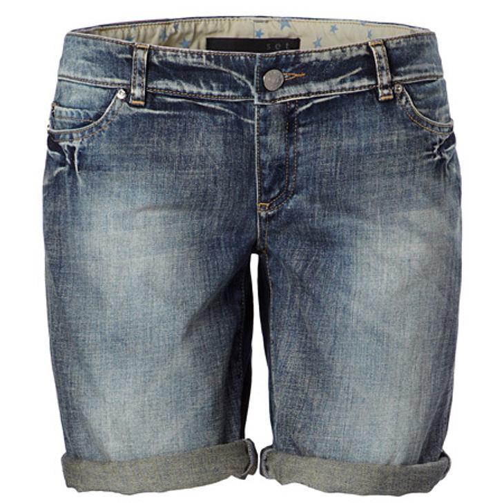 Stars lieben Jeans-ShortsDenim-Shorts mit Sternchen-Innenfutter von Set, um 100 Euro.
