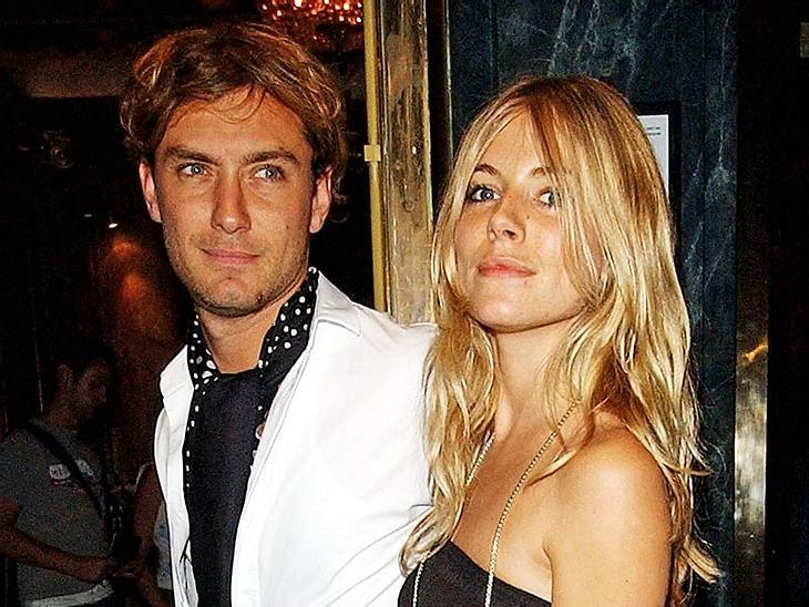Vor Jahren - wie hier im Bild - waren Sienna Miller und Jude Law schon einmal ein Paar. Jetzt funkt es wieder kräftig!
