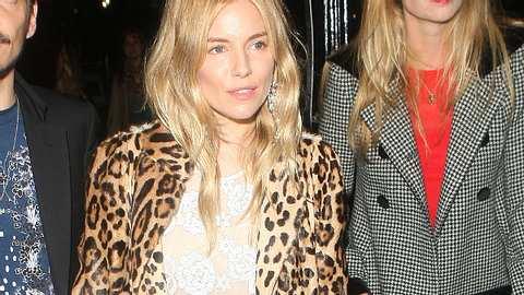 In Sachen Fashion experimentiert Sienna für ihr Leben gern.