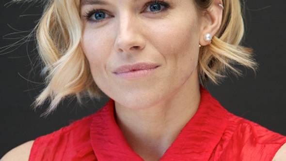 Sienna Miller lag 27 Stunden in den Wehen - Foto: Getty Images