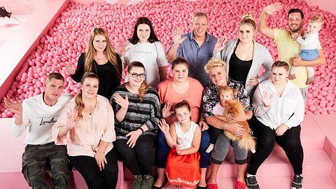 Silvia Wollny, ihre Enkelkinder und Kinder - Foto: RTLzwei