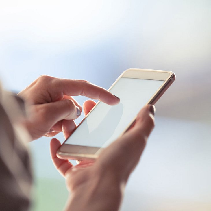 Teenager (14) stirbt durch Stromschlag von Handy-Ladekabel