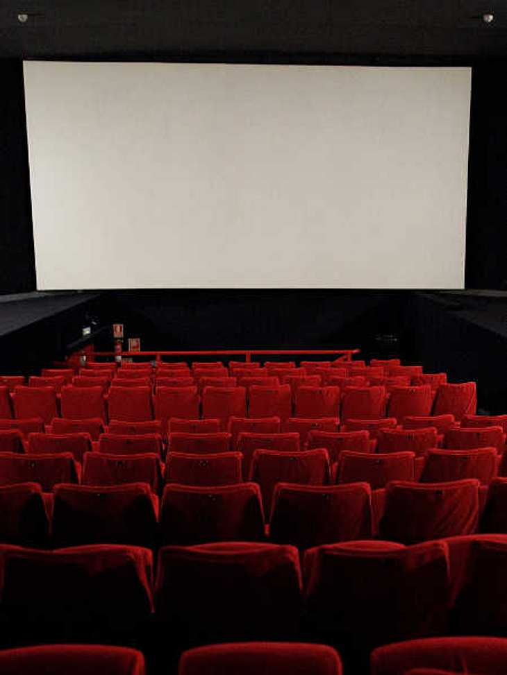 SMS-Missverständnis: Mutter glaubt, ihr Sohn wird sterben und räumt ein Kino!