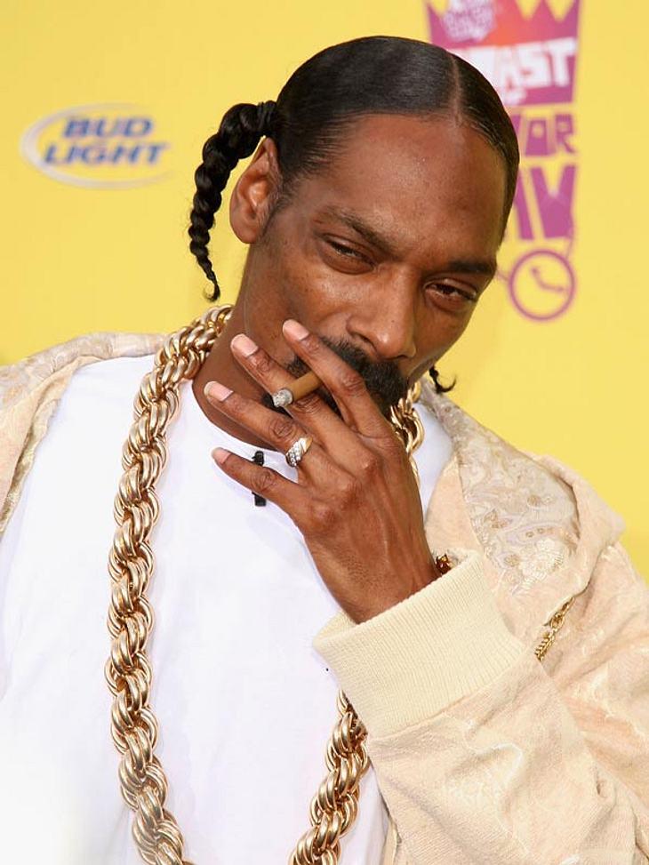 Der Gesichtsausdruck von Rapper Snoop Dogg sagt eigentlich schon alles: Unwahrscheinlich, dass er jemals mit dem Rauchen aufhören wird.