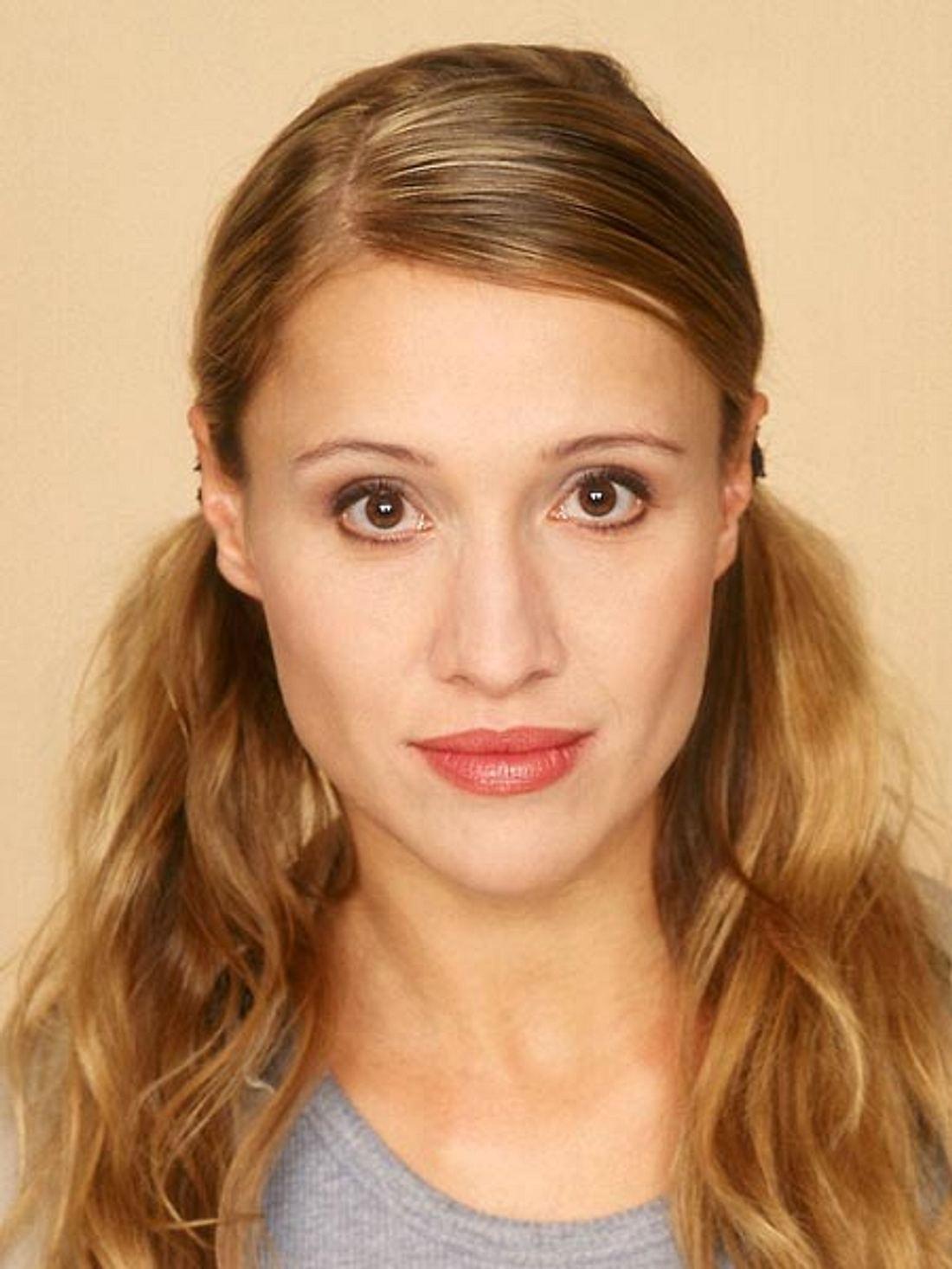Solveig August ersetzt Jenny Elvers bei AWZ