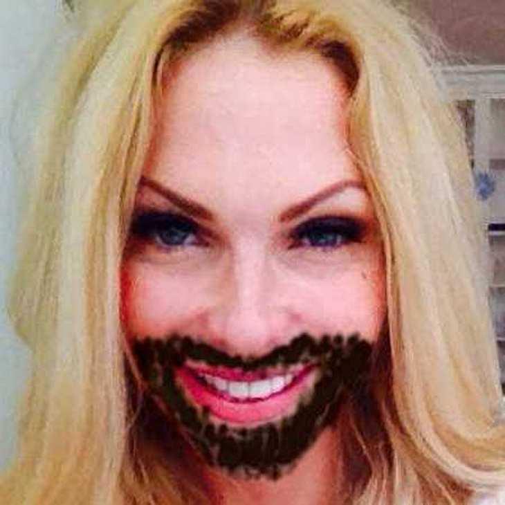 undefined Promis tragen den Conchita-Bart: