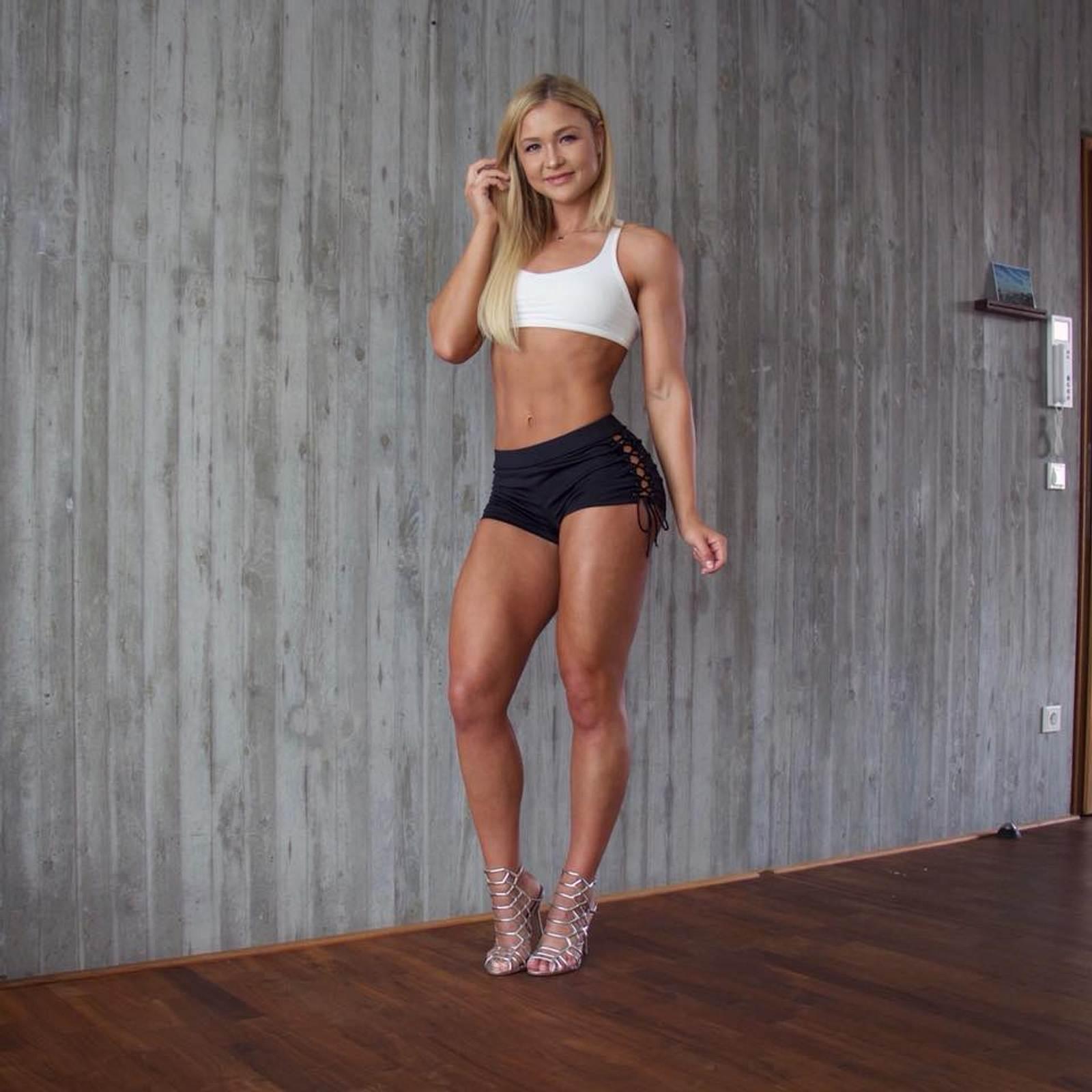 Sophia Thiel 10 Minuten Workout Für Den Bikini Body Intouch
