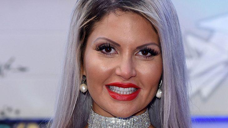 Sophia Vegas wird von den Fans attackiert