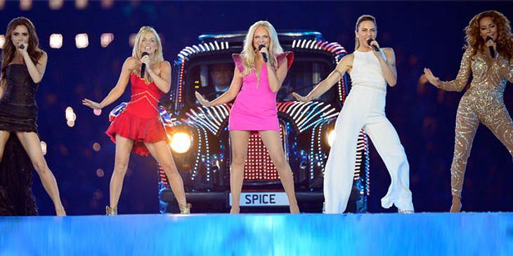 Jahresrückblick 2012 - Die schönsten Momente der Stars Die Olympischen Spielen fanden 2012 in London statt: ein Spektakel! Die Abschluss-Show war ein einmaliges Erlebnis. Die Stars gaben sich die Klinke in die Hand: Take That, Naomi Campbel