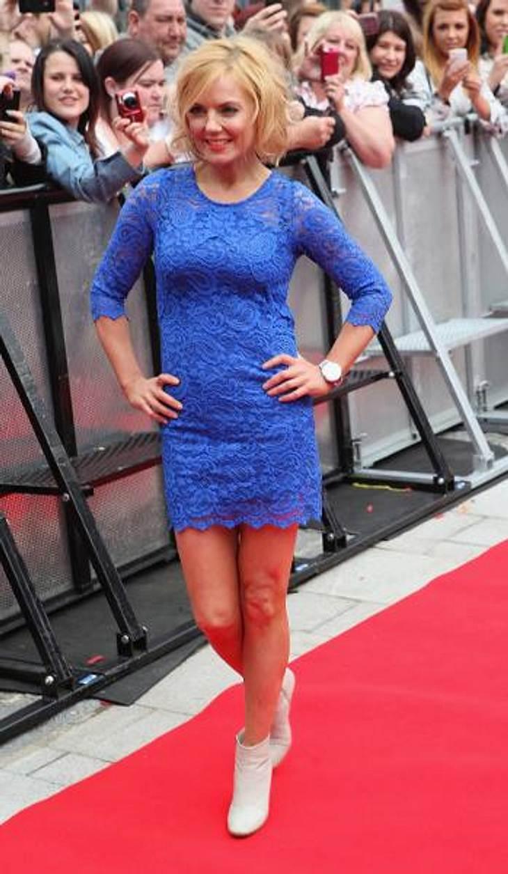 """Star-Style: Die Promis machen blau!Geri Halliwell (39) trug bei der """"X Factor""""-Audition in Liverpool gleich zwei Trends auf einmal: blau und Spitze."""