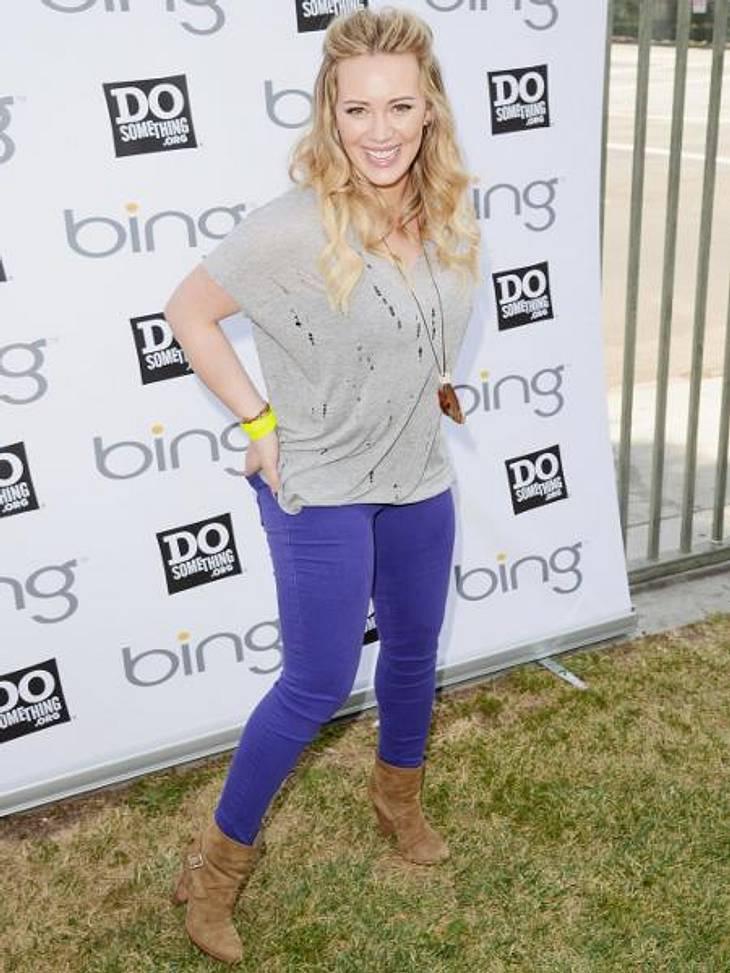 Star-Style: Die Promis machen blau!Trend erkannt: Mit der blauen Skinny-Jeans liegt Hilary Duff (24) goldrichtig.